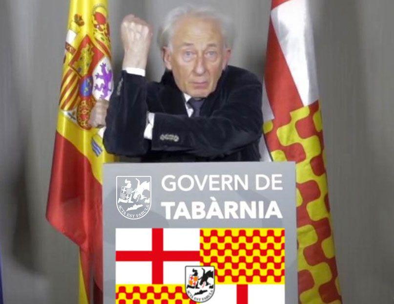El President Boadella con bandera oficial de Tabarnia.