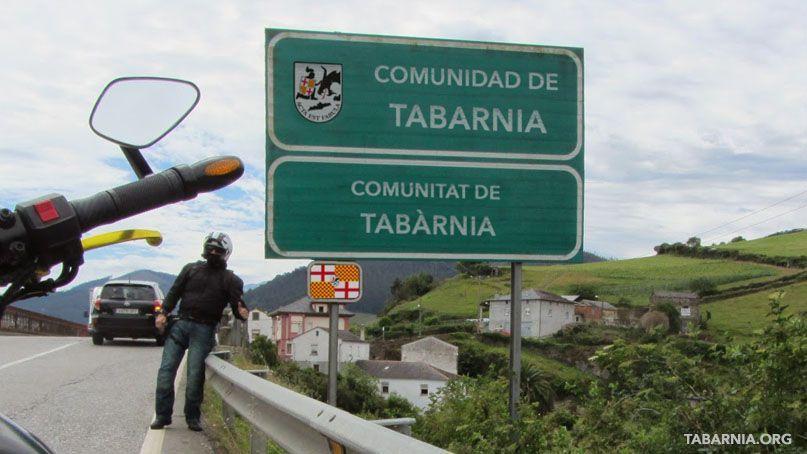 Cartel de entrada a la comunidad autónoma de Tabarnia. Plataforma por Tabarnia.